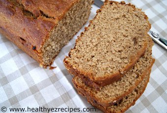 whole wheat banana bread with honey